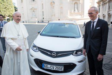 Opel in Vaticano con Ampera per il Papa