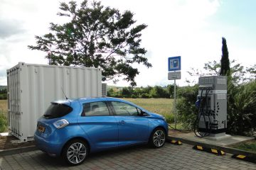Veicoli elettrici: Renault li ricarica in autostrada