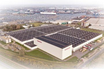 Tetto solare condiviso installato da Nissan