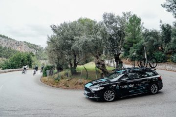 Team Sky 2018 con Ford Mondeo e Tourneo Custom
