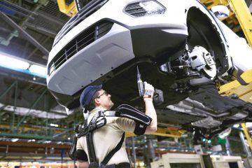 Exoskeleton Suits: aiuto meccanico all'uomo in fabbrica Ford