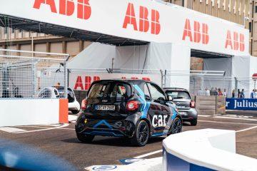 Smart EQ fortwo e-cup sulle strade della Formula E
