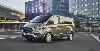 Tourneo Custom nuovo salotto viaggiante  Ford