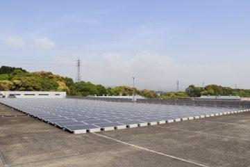 Batterie veicoli elettrici Nissan alimentano uno stabilimento