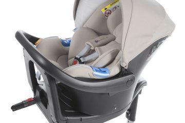 Chicco per la sicurezza: seggiolini auto con sensori integrati