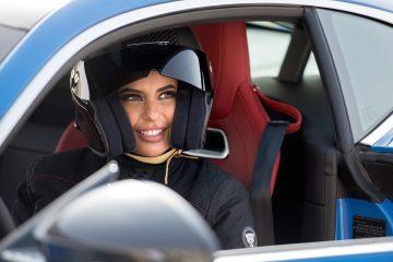 Fine divieto, Aseel Al Hamad guida Jaguar